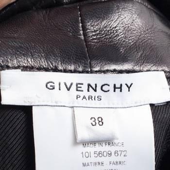 бирка Шорты  Givenchy