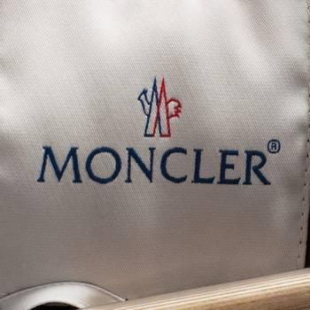 бирка Куртка  Moncler