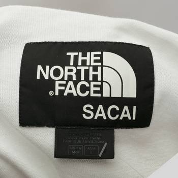 бирка Футболка North Face х Sacai