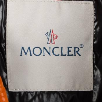 бирка Пуховик  Moncler