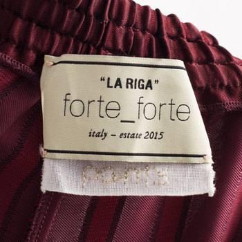 бирка Брюки  Forte Forte
