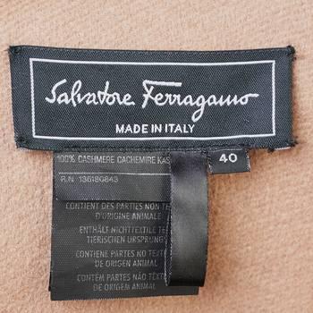 бирка Пальто Salvatore Ferragamo