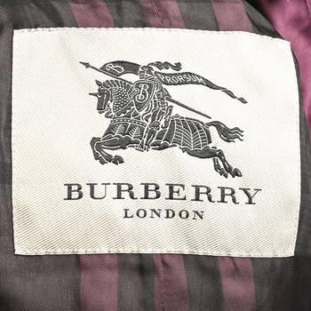 бирка Пуховик Burberry