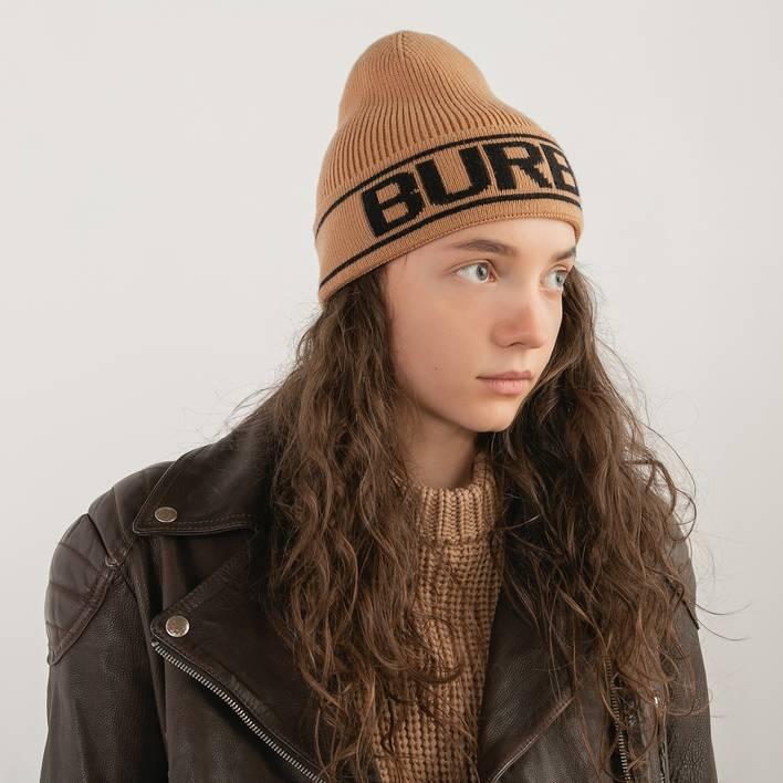 Шапка Burberry