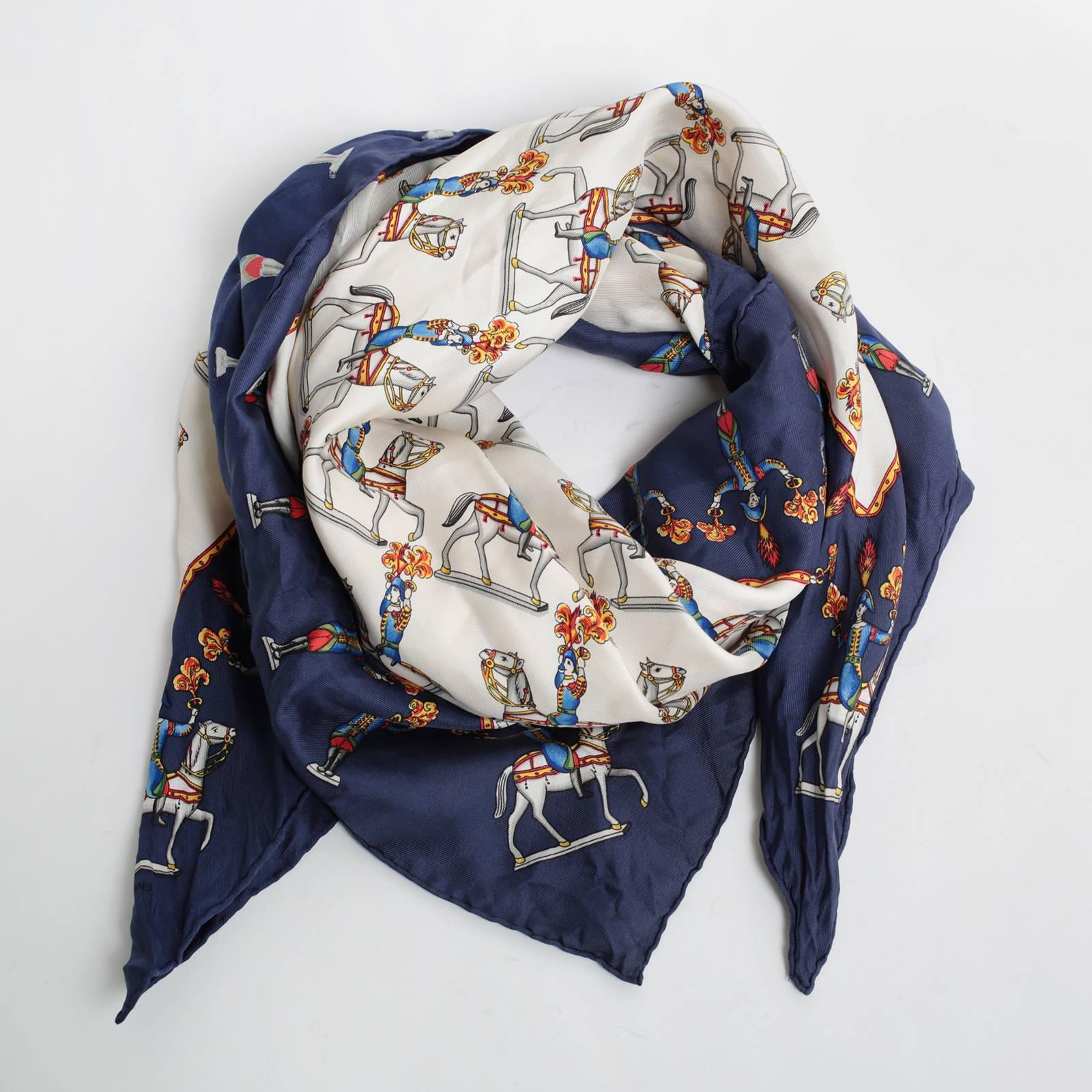платок hermes с лошадьми