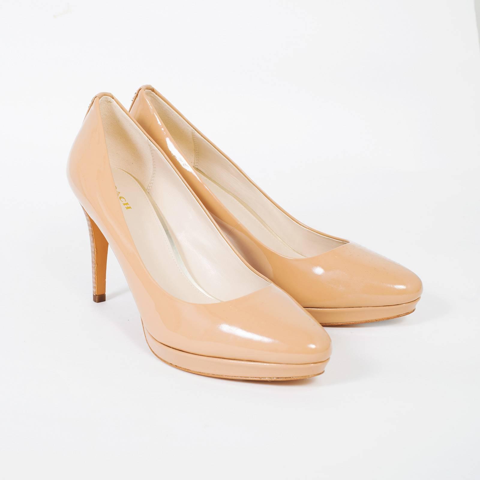 Купить туфли Coach в Москве с доставкой по цене 8960 рублей   Second ... fe4d9115b43