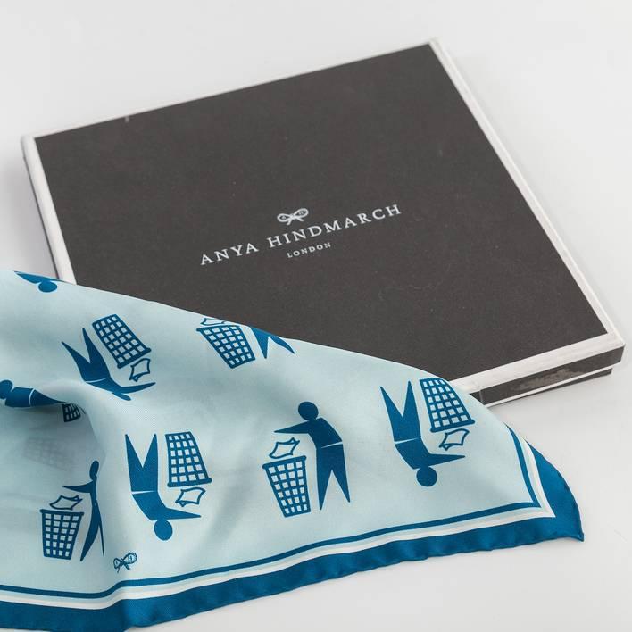 Платок Anya Hindmarch