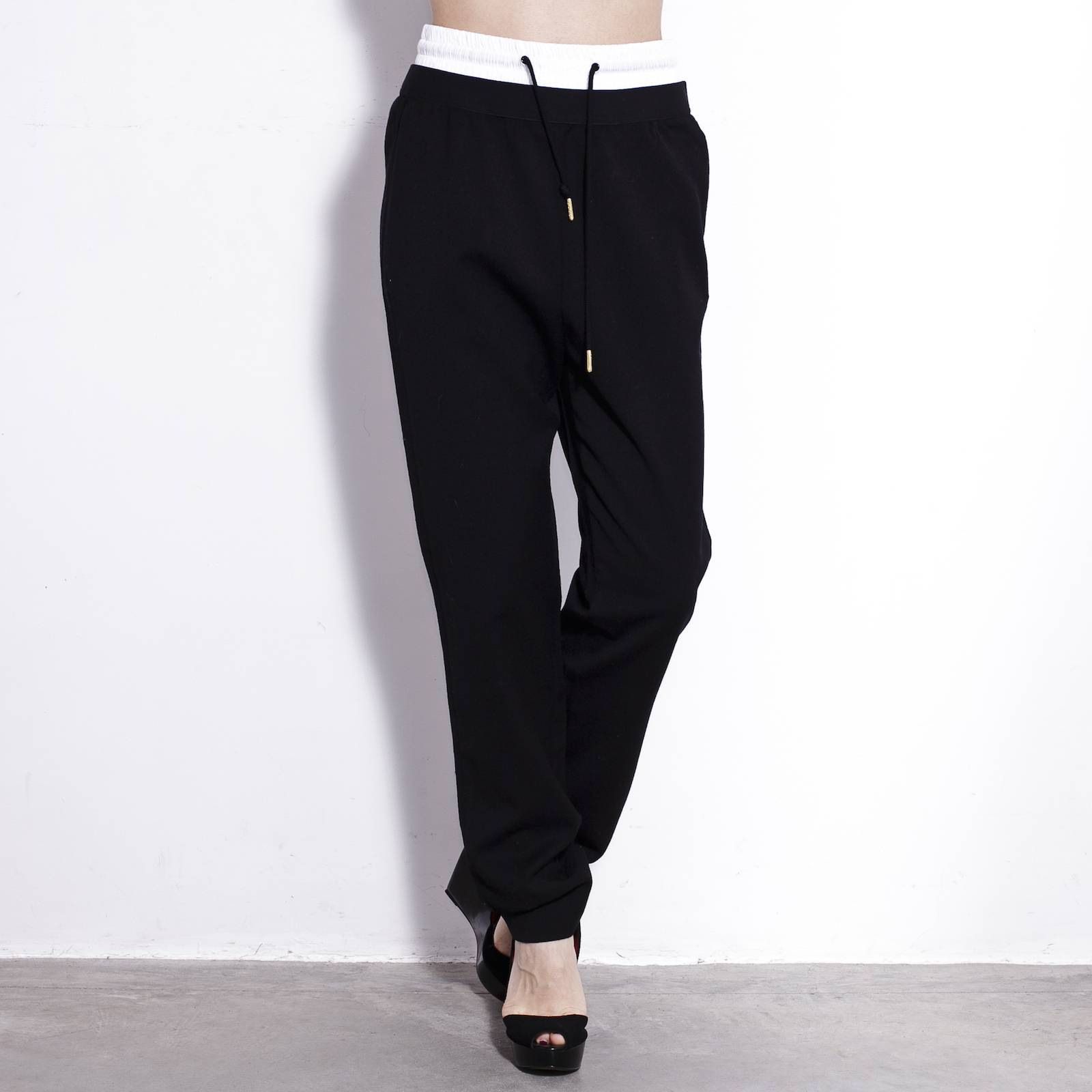 Купить брюки Sandro в Москве с доставкой по цене 6300 рублей ... e9d151e342e