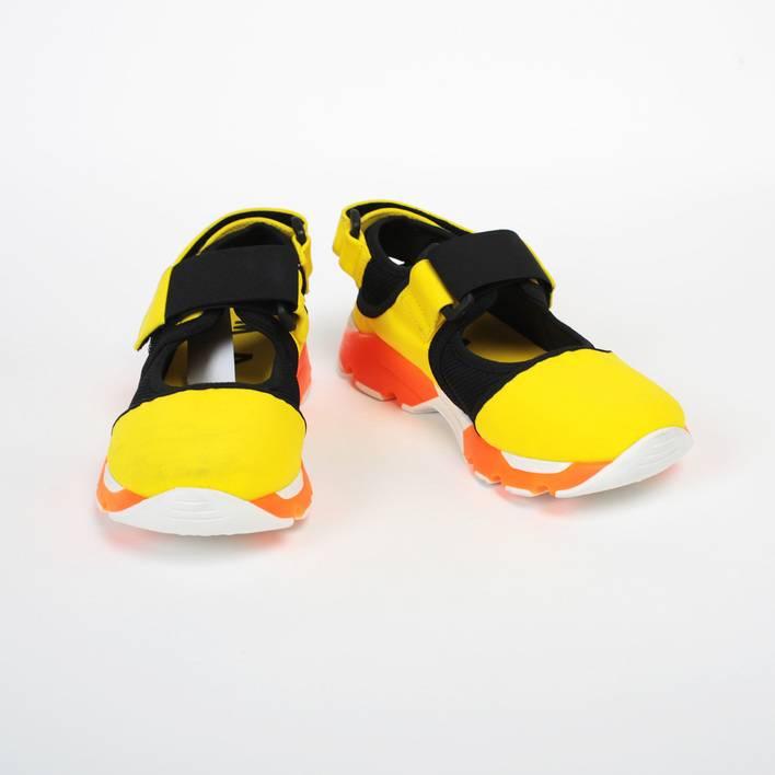 Спортивные сандалии  Marni