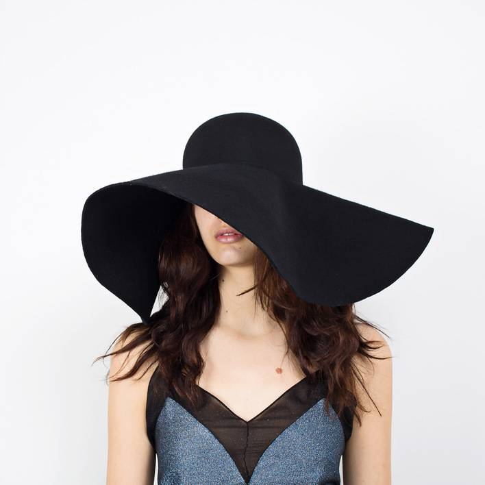 Шляпа  Yves Saint Laurent